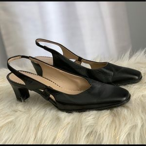 Naturalizer genuine leather black slingbacks 7M